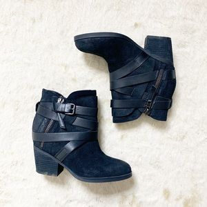 Steve Madden Black Wraparound Strap Ankle Boots 9